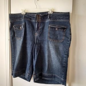 Cato ladies jean shorts sz 24W